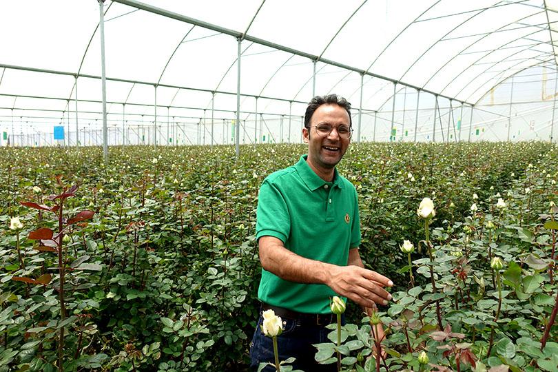 私たち「世界の花屋」がバラを仕入れているケニアのソジャンミ農園で、全体のマネージメントをしている、ケタン・ジェラスさん。