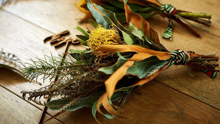 アフリカの草花を束ねた小さくて可愛いカウカブーケ(ドライフラワー)を数量限定販売!