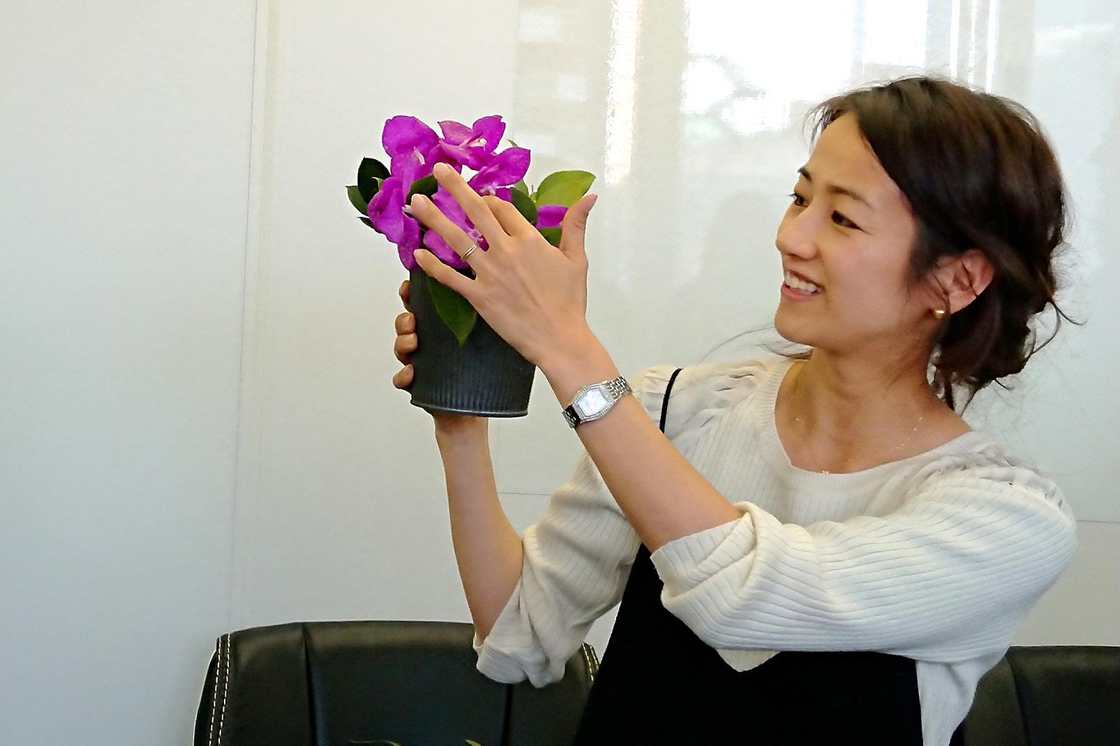 仕事と育児を両立している、フラワーデザインを監修している前田有紀さん