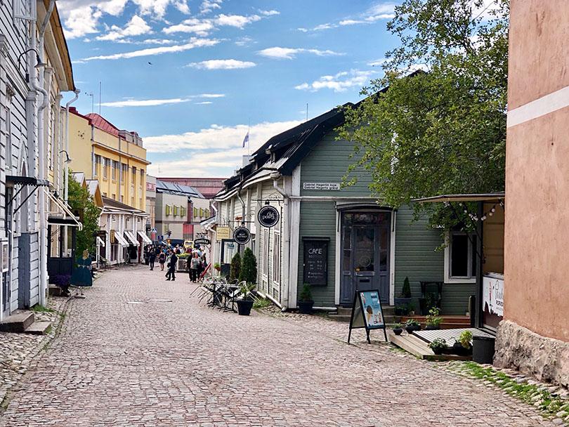 花に囲まれた古都へ~フィンランド・ポルヴォー~