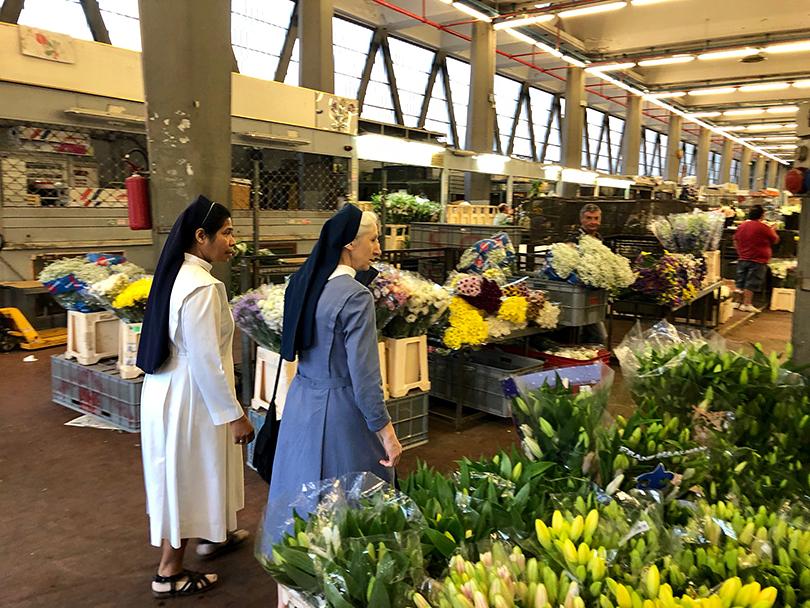 陽気な花市場~イタリア・ローマ~