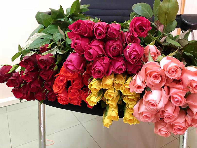 バラのあふれる花市場~インド・バンガロール~