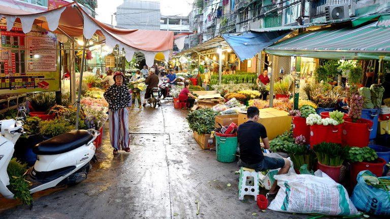 花市場で迎える朝~ベトナム・ホーチミンシティ~